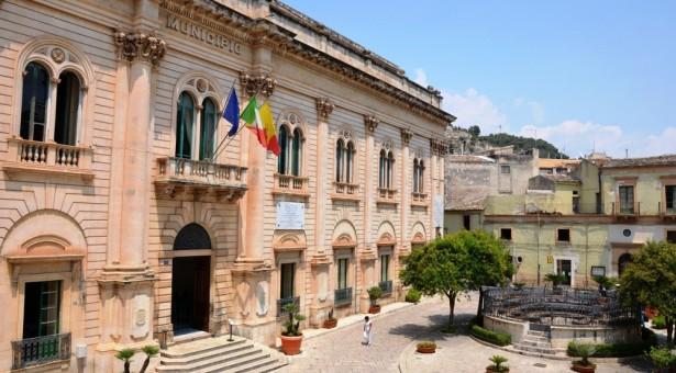 Il Comune risparmia un milione di euro sulla fornitura di energia elettrica pregressa