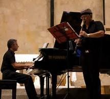 """A Palazzo Spadaro concerto degli """"Amici"""": il 9 dicembre il Duo Puglia-Meloni. Un programma di danze."""