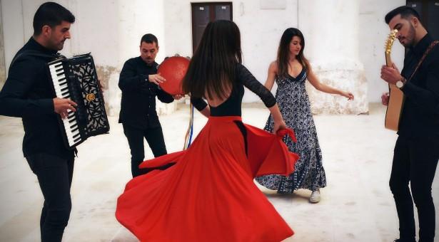 Le sonorità mediterranee al Taranta Sicily Fest. Ci saranno i Lardiamundi. In Piazza Italia il 13 agosto.