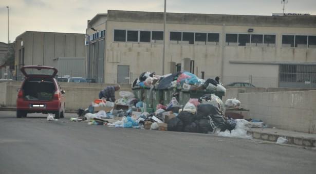 Situazione rifiuti non più tollerabile. Ecco la ricetta di F.I. Giovani di Scicli