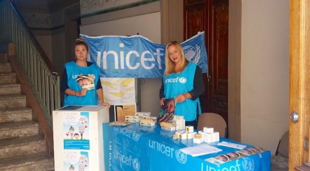 """L'UNICEF DI RAGUSA HA CELEBRATO IN PROVINCIA  """"LA FESTA DEI NONNI"""" INSIEME A TANTI BAMBINI."""