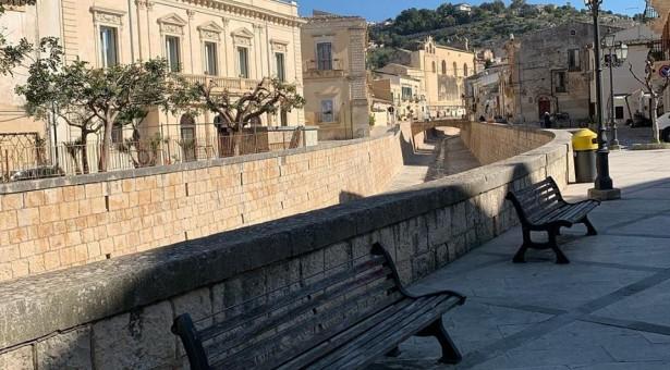 Nuova bambinopoli a palazzo Mormino a Donnalucata. Silenzio, invece, per l'area di Via Aleardi.