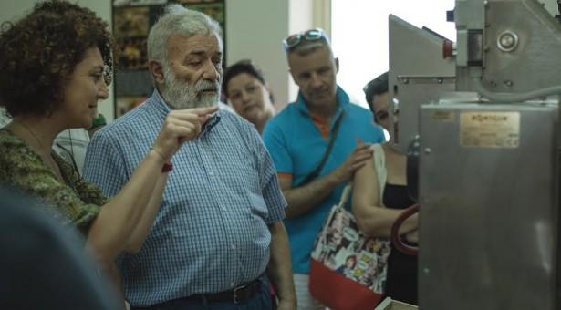 Un laboratorio di apicoltura nel centro servizi del Mercato ortofrutticolo di Donnalucata