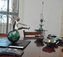 """Quanto è bella la ceramica Raku di Silvana Maltese. Aperta al """"Brancati"""" sabato scorso. Fino al 4 agosto."""
