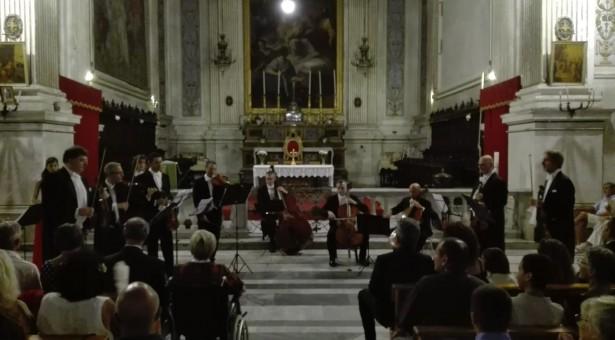 Vivaldi, Claudio Scimone, I Solisti Veneti: serata memorabile a Santa Maria La Nova.
