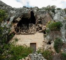 Giornata della Speleologia a Scicli il 22 settembre. Esplorambiente organizza escursione al quartiere trogloditico di Marafini.