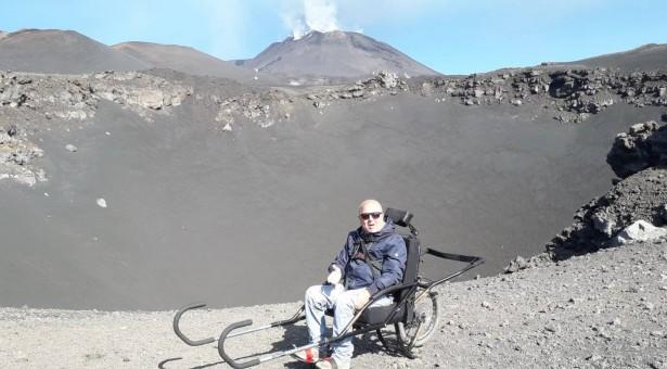Passeggiata sulla Luna in sedia a  rotelle? Oggi è possibile sull'Etna.