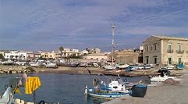 Avviato iter per la pulizia dello scalo di alaggio del porto di Donnalucata