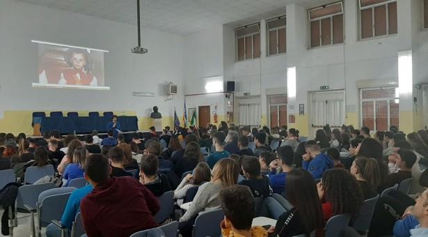 Fiusco e Cascio con gli studenti e i cittadini in due incontri in città. Contro ogni tipo di mafia.