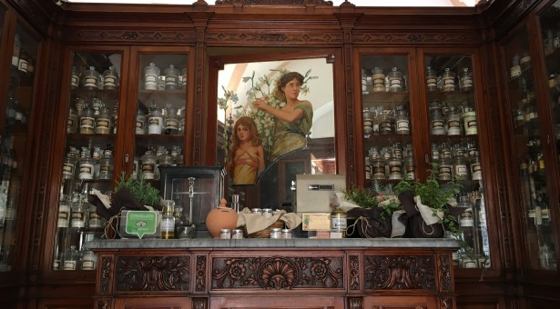 Riaprono ai turisti l'Antica Farmacia Cartia e Palazzo Bonelli-Patanè di Scicli
