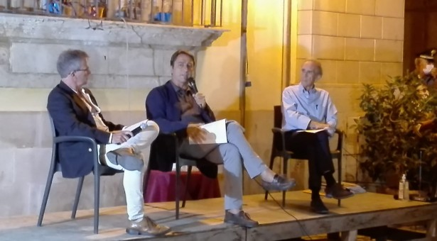 Perchè è stato sciolto il Consiglio comunale del 2015? Claudio Fava ne ha spiegato i motivi  ieri davanti alla cittadinanza.