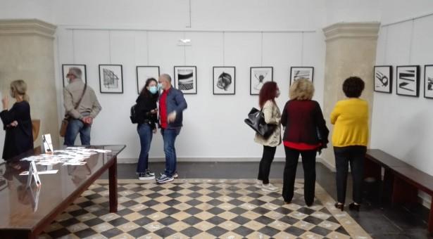 """Al """"Brancati"""" la strana, insolita, bella Mostra fotografica di Nunzio Lorefice. Fino al 31 ottobre.."""