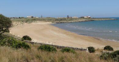 """Il 26 Settembre giornata di Pulizia alla spiaggia di Costa di Carro con Legambiente Scicli Kiafura, nell'ambito di """"Puliamo il Mondo""""."""